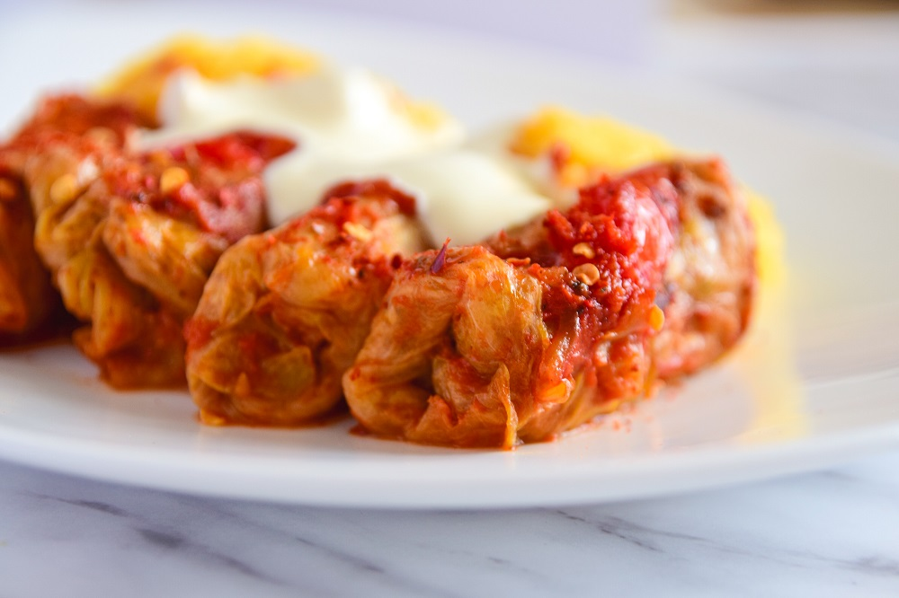 baked cabbage rolls recipe with beef and mushrooms